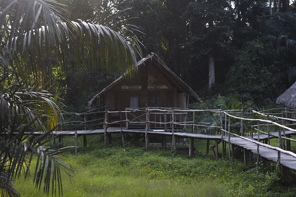 www-visiterlafrique-com-oveng-lodge-1